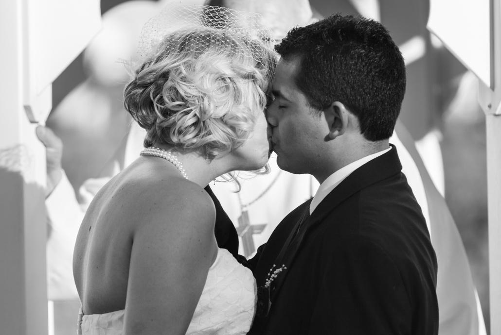 kiss bw